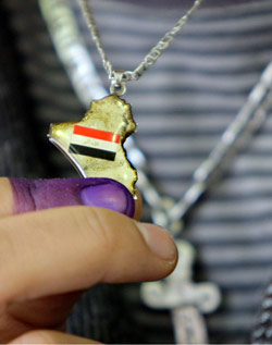 يصرّ المسيحيون العراقيون في لبنان على أهمية التصويت لأبناء طائفتهم (أرشيف - اب)
