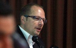 الطبيب فرانك فان جبلدر يشرح التجربة الإسبانية (مروان طحطح)