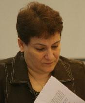 منسقة منتدى عائشة جمانة مرعي خلال المؤتمر (مروان طحطح)
