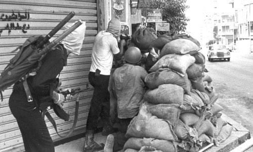 يوم أصبحت شوارع بيروت مرتعاً للميليشيات «الغريبة» (أرشيف)