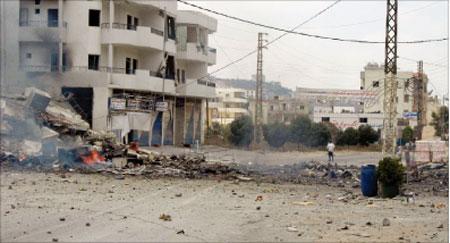 الطريق الرئيسية في زبدين في اليوم الأول لانتهاء الحرب