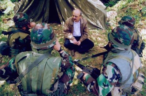 استعداداً لنشر تحقيق ميداني في جريدة «الحياة» عن المقاومة في الجنوب قبل التحرير