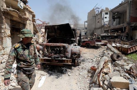 أحرق القائد العسكري في «أحرار الشام» آلياته قبل خروجه (هيثم الموسوي)