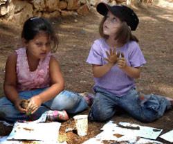 مشاركات في المخيم
