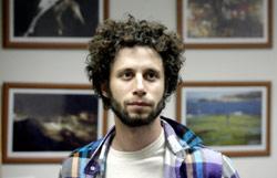فيصل البيبي أسس فرقة «روك» مع أميركيين (بلال جاويش)