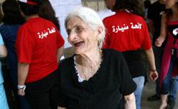 أمام أحد مراكز الاقتراع في بلدة منيارة العكّارية (مروان بو حيدر)