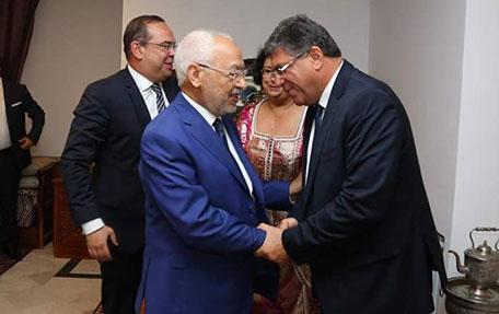 يوم الأحد أيضاً، شارك الغنوشي في الاحتفال الذي نظمته السفارة المغربية لمناسبة يومها الوطني، مرتدياً الزي نفسه
