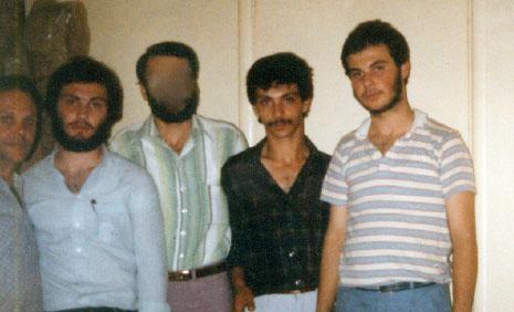 من اليسار، الحاج فايز مغنيّة مع أبنائه الشهداء: عماد، فؤاد وجهاد (الأخبار)