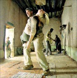 براد بيت وكيت بلانشيت في مشهد من «بابل» فيلم الاختتام