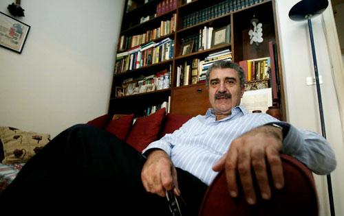 """""""معظم كتّاب الرواية اللبنانية من جيل واحد تقريباً (هيثم الموسوي)"""