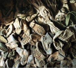 Boots On The ground للفنان بنجامين بوش ( تفصيل ـــ العراق ـــ 2003)