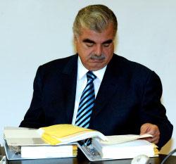 الرئيس الشهيد رفيق الحريري (أرشيف)