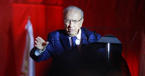 لا يكمن سر الالتفاف الشعبي حول «نداء تونس» في كاريزما زعيمه الباجي قائد السبسي (الأناضول)