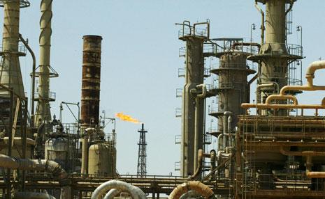 استعادة مصفاة الصمود (بيجي سابقاً) ستساهم في عودة ارتفاع إنتاج العراق النفطي(أ ف ب)