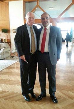 صورة اللقاء مع ماكين التي نشرها الجربا على صفحته على «فايسبوك»