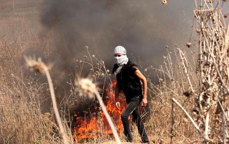ممن المواجهات الحدودية في غزة أمس (آي بي ايه)