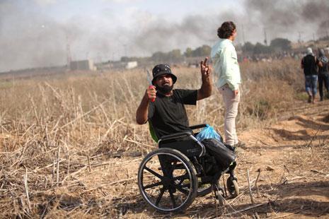 من المواجهات الحدودية في غزة أمس (آي بي ايه)
