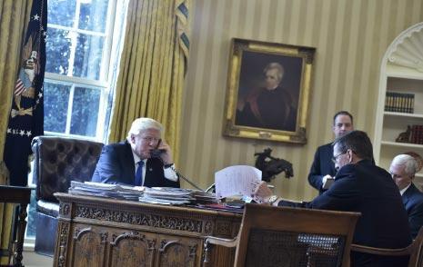 ترامب: إيران تلعب بالنار (أ ف ب)