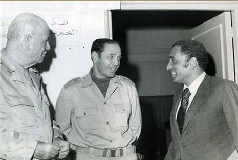 هيكل والشاذلي والمشير أحمد إسماعيل علي وزير الحربية أثناء حرب أكتوبر