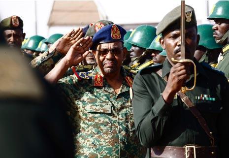 اتفقت الرياض مع البشير على تجنيد 6 آلاف مقاتل سوداني لحرب اليمن (أ ف ب)