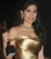 يارا تحمل جائزة أفضل مغنية صاعدة العام الماضي