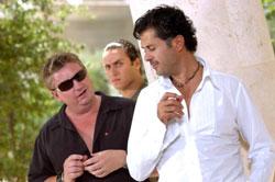 راغب علامة مع المخرج تيري فيرن أثناء تصوير كليب «ونا وياك»