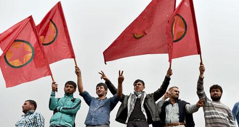 تتبع الاستخبارات التركية هذه السياسة لتضييق الخناق على الصحف الكردية (أ ف ب)