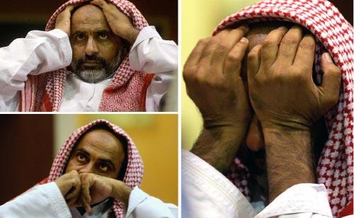 ردة فعل مستثمر إماراتي على أسعار السوق المالية الإماراتية (مروان نعماني ــ أ ف ب)