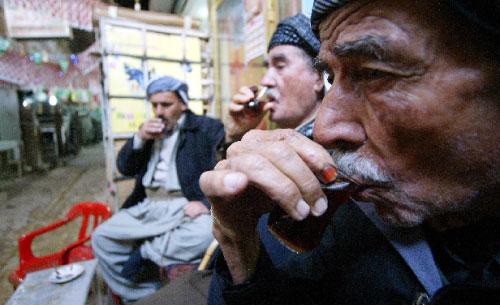 بعد المياه، يعدّ الشاي ثاني أكثر مشروب استهلاكاً على المستوى العالمي (سافين حامد ـ أ ف ب)