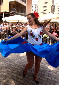 الرقص أفضل اللغات لتواصل الشعوب (هيثم الموسوي)