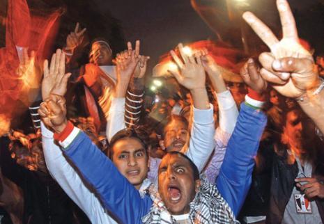 ميدان التحرير انفجر فرحاً (صهيب سالم ــ رويترز)