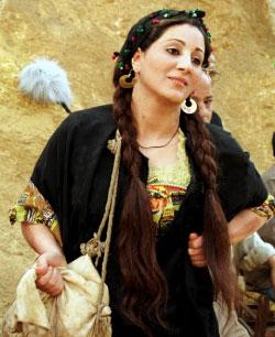 كتبت وفاء عامر «مصر بتسلم عليكم وبتقولكم هتوحشوني»