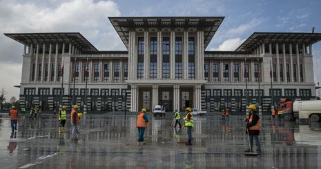 ينتقل أردوغان إلى «القصر الأبيض» في ذكرى تأسيس الجمهورية(الأناضول)