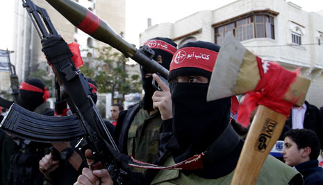 نظّمت الجبهة الشعبية لتحرير فلسطين عرضاً عسكرياً في ذكرى انطلاقتها كذلك أجرت سرايا القدس مناورة ميدانية أمس (آي بي ايه)