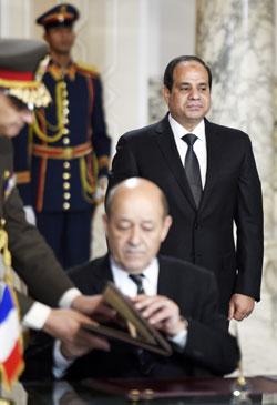 تجاهلت باريس انتقادات المدافعين عن حقوق الإنسان (أ ف ب)