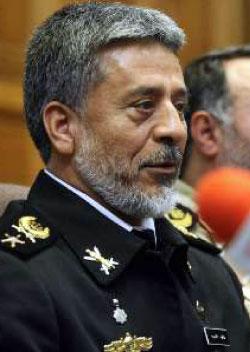 قائد البحرية في الجيش  الإيراني حبيب الله سياري (الأخبار)