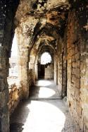 خان الأشقر من أقدم الأبنية في صور (حسن بحسون)