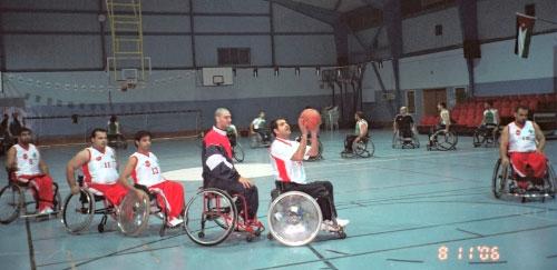 منتخب كرة السلة كراسي في إحدى تمارينه