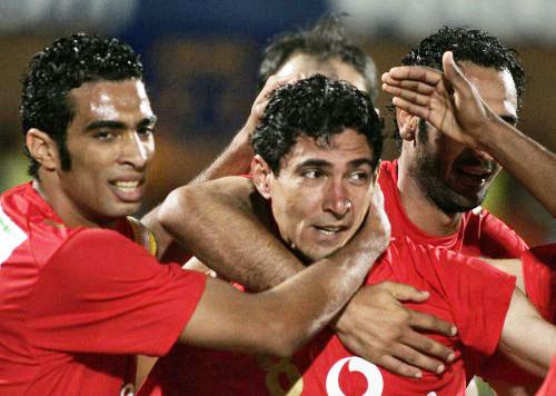 فرحة لاعبي الأهلي بالتأهل (سيفوي ـــ رويترز)
