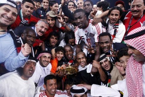 لاعبو الجزيرة يحتفلون بلقبهم الخليجي الأول (محمد علي ـ خاص الأخبار)