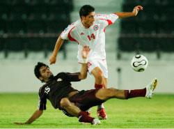 اللبناني عامر خان يتخطّى لاعباً قطرياً (الدوحة ــ الأخبار)