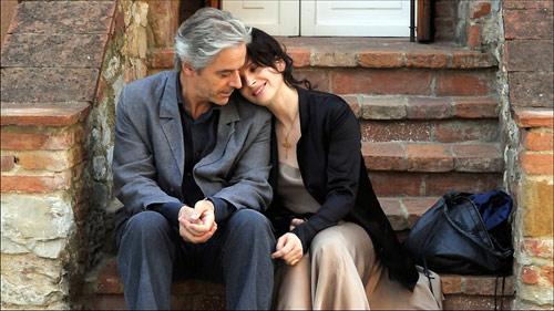 جولييت بينوش ووليم شيمل في مشهد من الشريط
