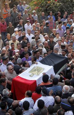 شهدت مصر خلال الساعات الأخيرة ثلاثة انفجارات، وقع أحدها قرب قصر القبة (أ ف ب)