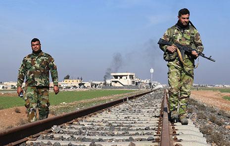 استطاع الجيش السوري تحرير منطقة ضخمة في مثلت أرياف ادلب ــ حماة ــ حلب (أ ف ب)