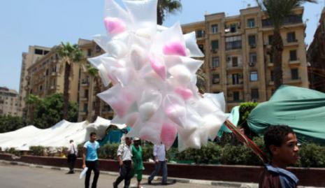 في ميدان التحرير اول من امس (عمرو عبد الله دلش ــ رويترز)