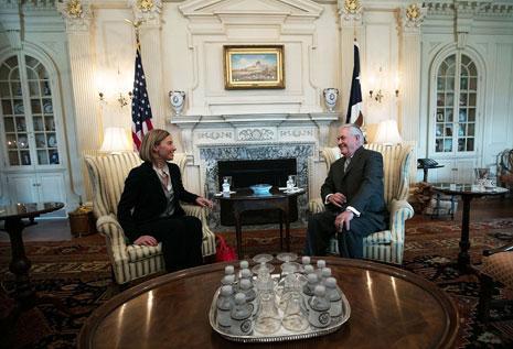حذرت فيديريكا موغيريني إدارة ترامب من أي تدخل في سياسة الاتحاد الأوروبي (أ ف ب)