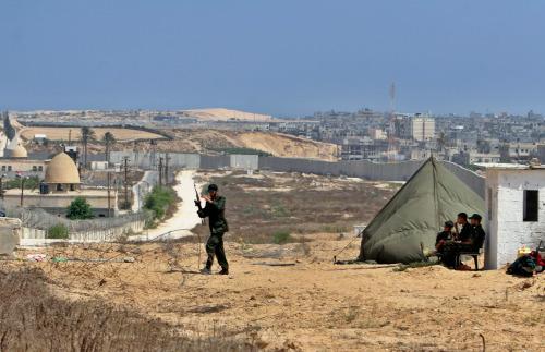 قوات لحركة «حماس» في رفح جنوب غزة الأسبوع الماضي (خليل حمرا - أ ب)