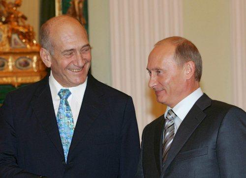 بوتين وأولمرت في الكرملين الأسبوع الماضي (فلاديمير روديونوف ـ إي بي أي)