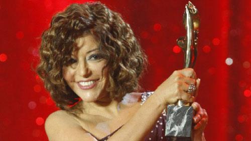 سميرة سعيد خلال إستلامها جائزة «موريكس» العام الماضي