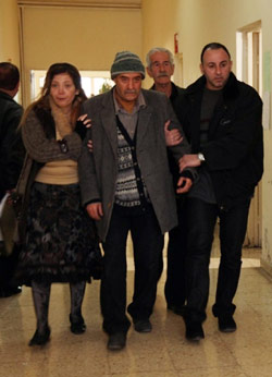 بسام كوسا وسلافة معمار في مشهد من المسلسل